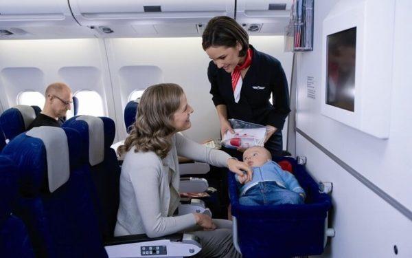 Как летать с грудным ребенком