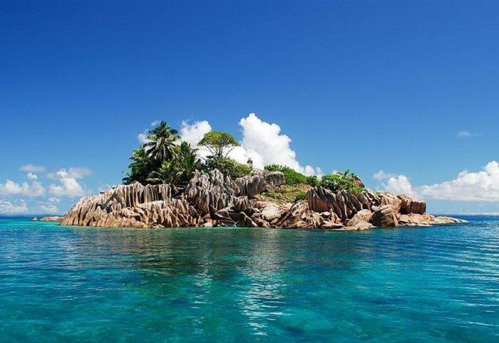 thumb uploads countries Seychelles Fregat sz sz 1