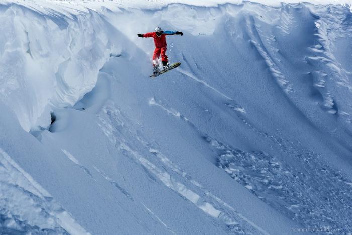 Пять самых неожиданных мест на Земле для катания на сноуборде Гималаи