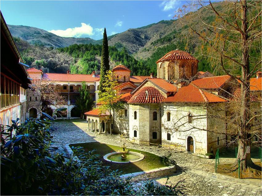 В Пловдиве: монастырь XI столетия Бачково