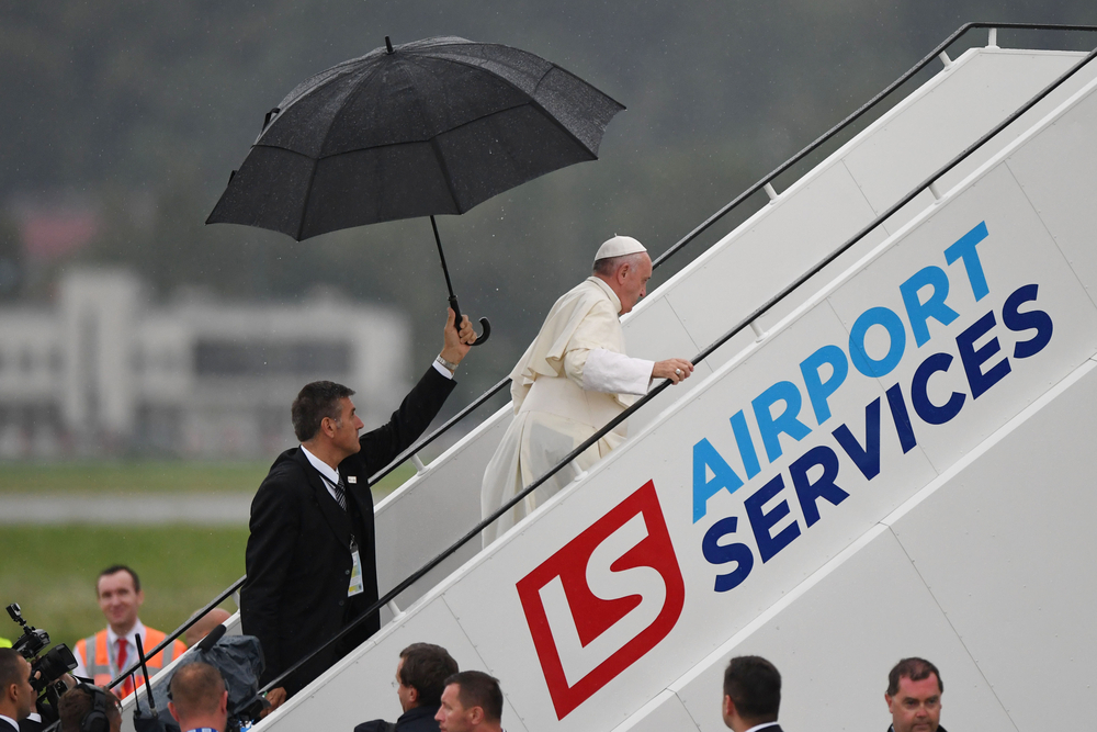 Международный аэропорт Краков-Балице имени Иоанна Павла II , Польша