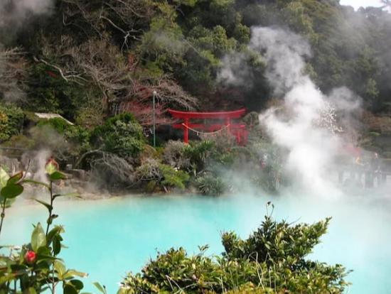Необычные горячие источнии Японии