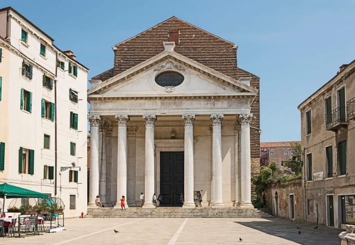 Церковь Сан-Никола-да-Толентино