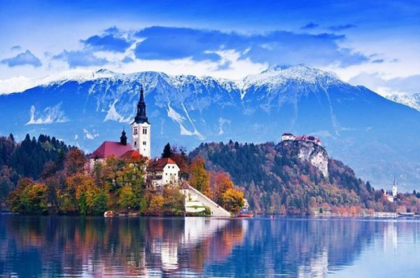 8 лучших мест в Словении, которые вы должны увидеть Озеро Блед