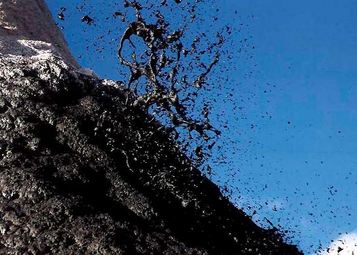 Ол Доиньо Ленгаи – уникальный содовый вулкан извержение