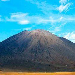 Ол Доиньо Ленгаи – уникальный содовый вулкан
