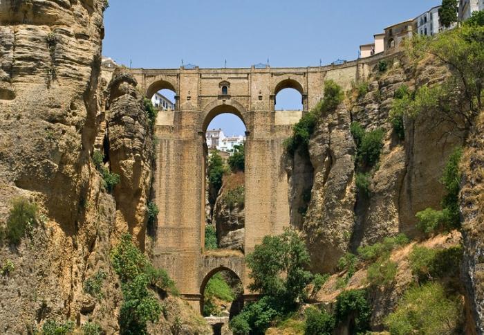 знаменитый Puente Nuevo (Новый мост)