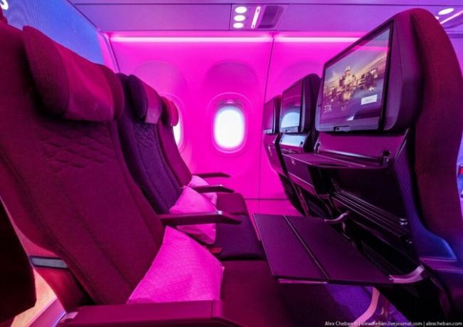 Новый дизайн с «крыльями» для кресел эконом-класса в самолете