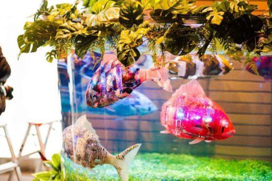 аквариум с шустрыми электронными рыбками